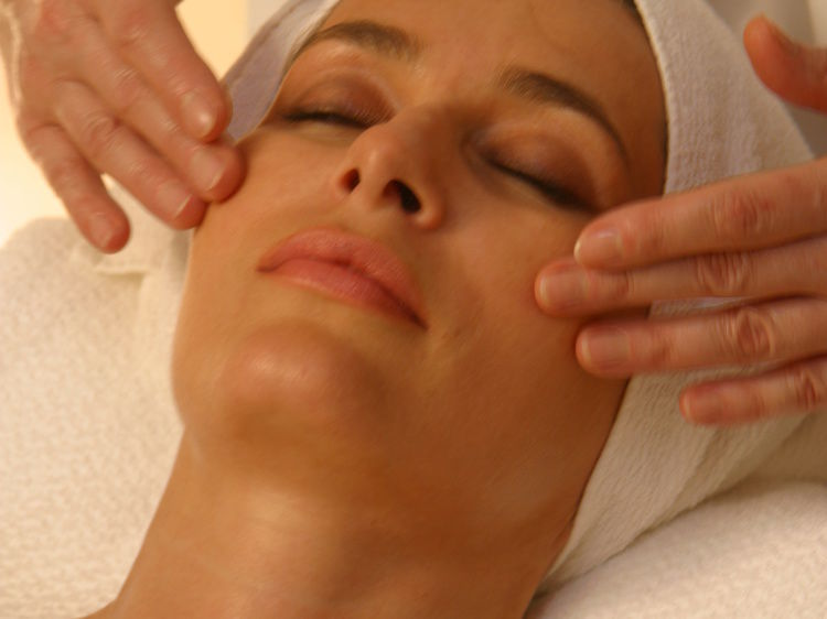 Exclusive and individual facial care